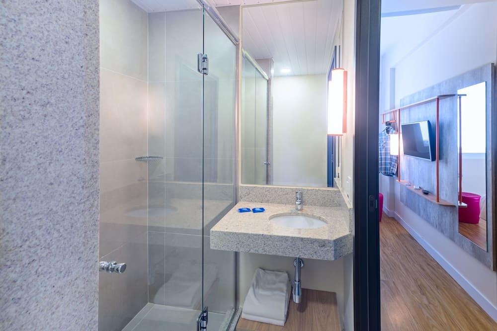 Štandardný apartmán, 2 jednolôžka - Kúpeľňa