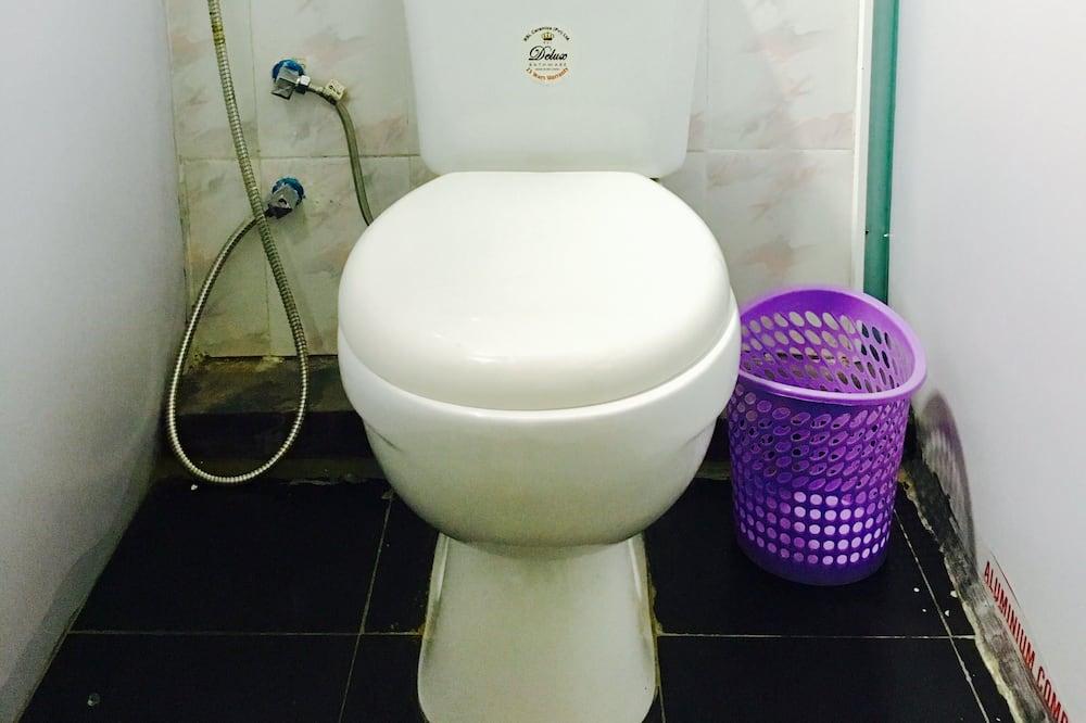 Economy Shared Dormitory, Mixed Dorm - Bathroom