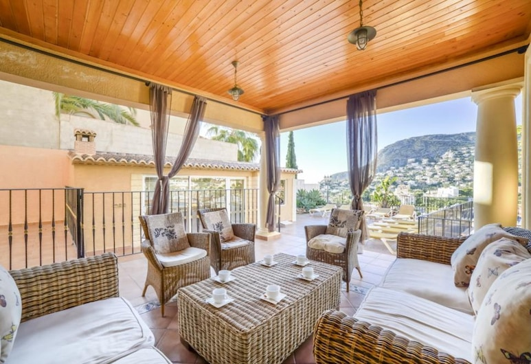 Villa in Calpe - 104273 by MO Rentals, Калп, Семейная вилла, 5 спален, Терраса/ патио