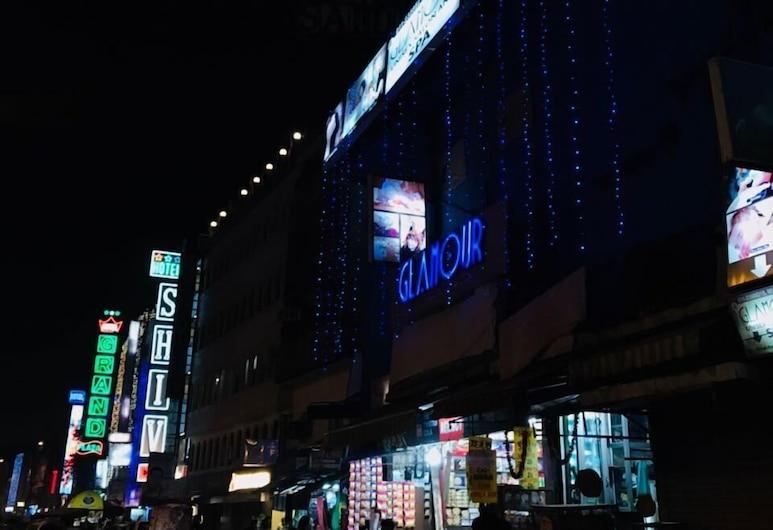 Hotel Shiv Dx, นิวเดลี, ด้านหน้าของโรงแรม - ช่วงเย็น/กลางคืน