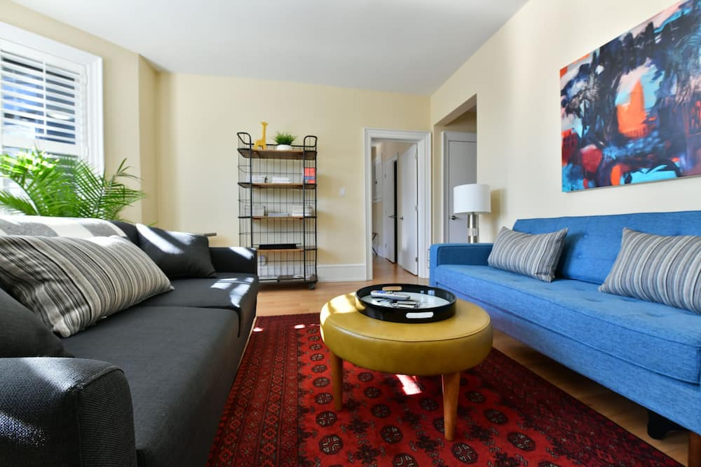 Rosedale Toronto 2 Bedroom, 2 Bathroom Apartment - Tuba