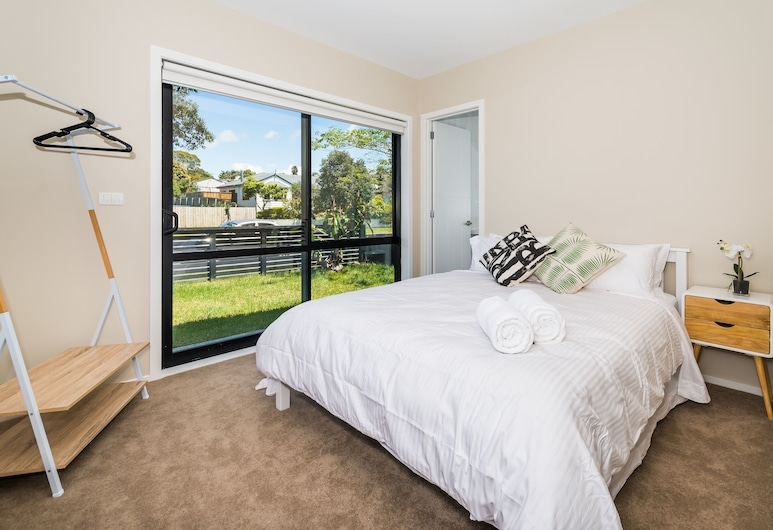 Unsworth Height New 3 Bedrooms Unit, Unsworth Heights