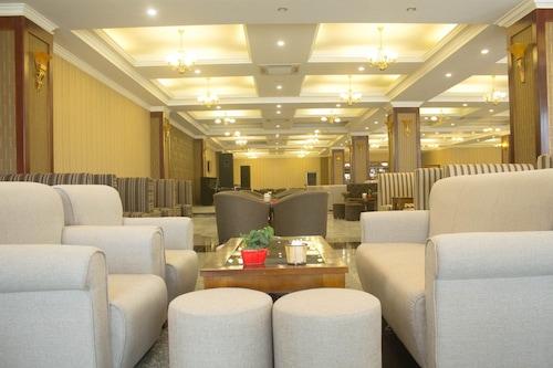 五月廣場酒店/