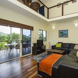 Family House, 3 Bedrooms, Private Pool, Partial Sea View - Living Area