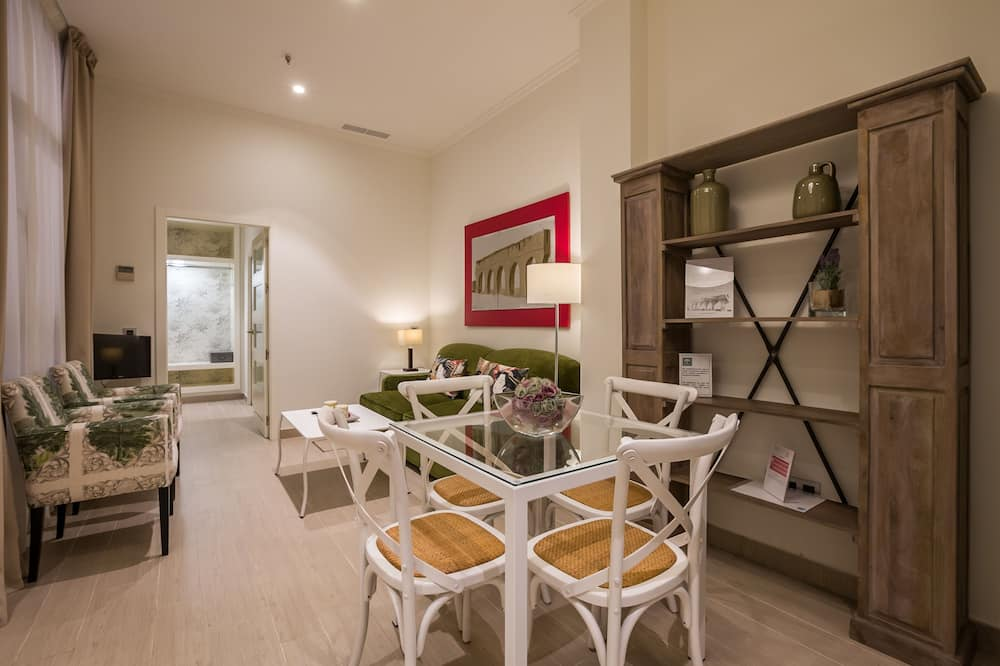 Apartment, 1 Bedroom, 2 Bathrooms (0A) - In-Room Dining
