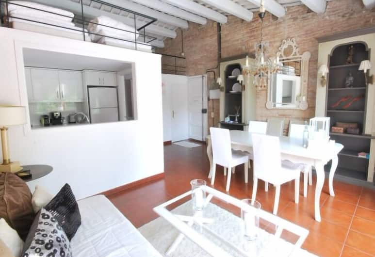 Fraternitat SDB, Barcelona, Apartment, 2 Bedrooms, Balcony, Living Room