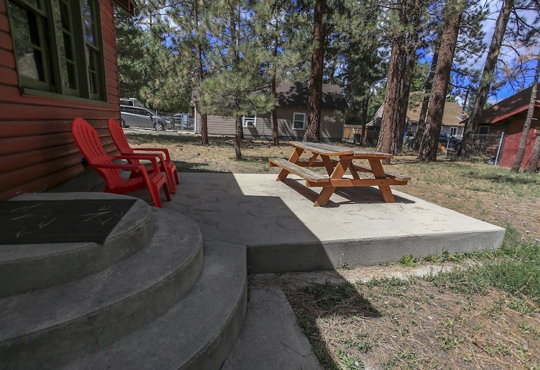 A Sweet Pine Cabin -  3Br/1BA/WiFi/Roku/Netflix, Μπιγκ Μπερ, Αίθριο/βεράντα