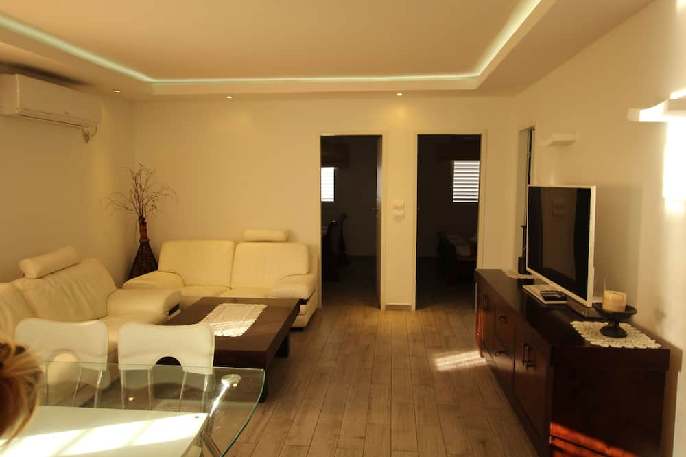 Apartment, 2Schlafzimmer, eingeschränkter Meerblick - Wohnzimmer