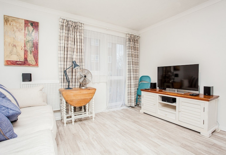 Stunning Spacious South London 1 Bed Apartment with Balcony, London