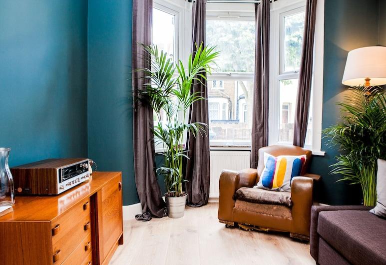 Stunning 4 Bed East London Apartment Sleeps 10, London, Külaliskorter, 4 magamistoaga, Elutuba