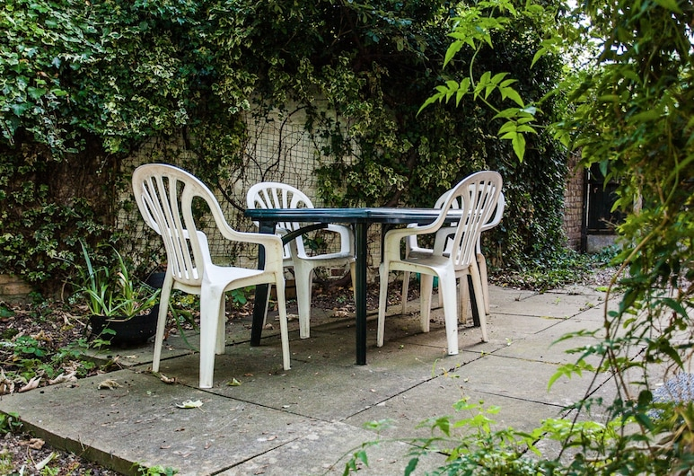 Charming Peaceful 2 Bed with Parking and Garden, London, Apartment, 2Schlafzimmer, Terrasse/Patio