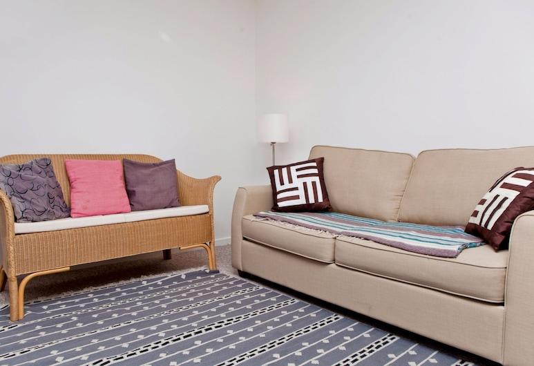 Warm East London Apartment - Sleeps 4, Londres