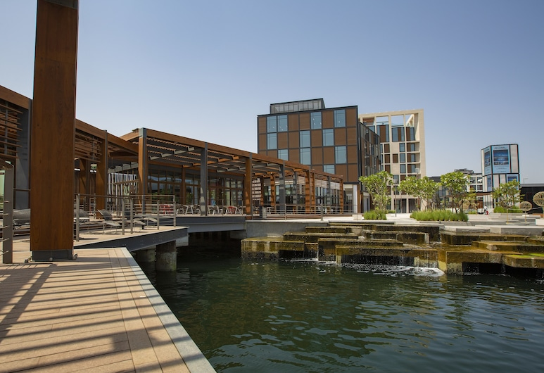 Canopy by Hilton Dubai Al Seef, Dubai