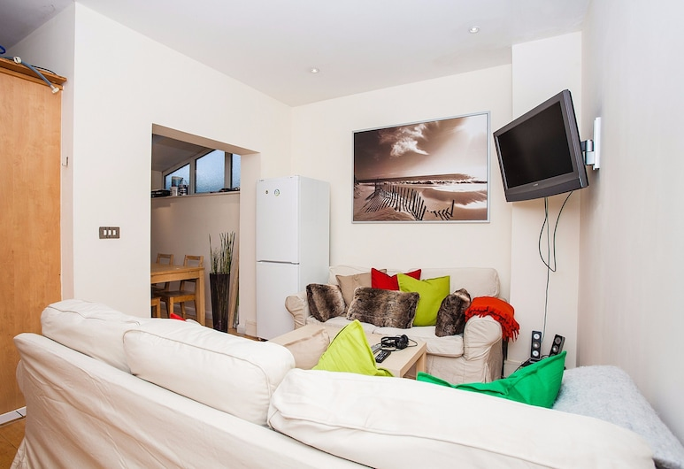 Modern & Spacious Home on Old Kent Road, London, Apartment, 6 Schlafzimmer, Wohnzimmer