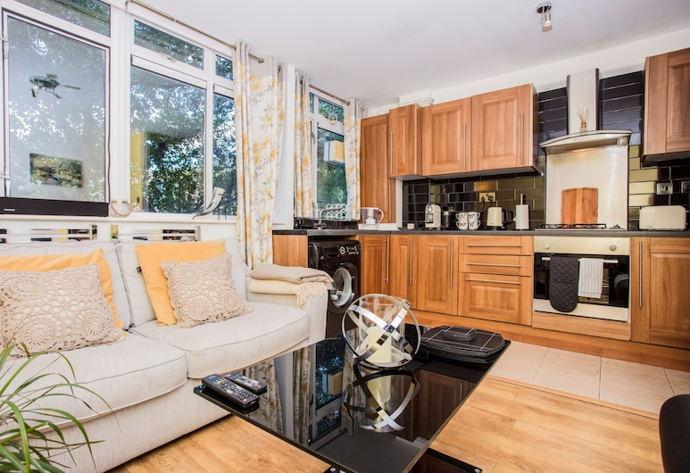 Maida Vale 1 Bedroom Apartment with a Balcony, London, Apartment, 1 Schlafzimmer, Wohnbereich