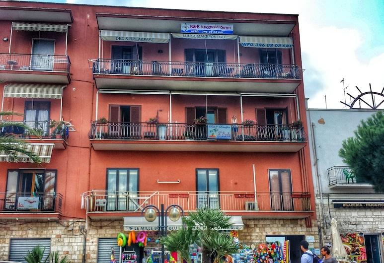 B&B L'Isola, Porto Cesareo, Hotel Front
