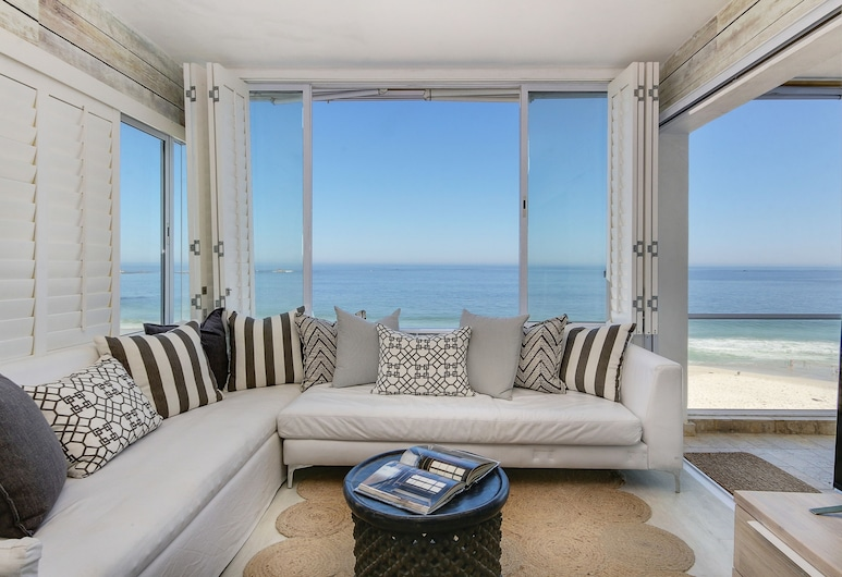 Clifton Attina - Two Bedroom Apartment, Sleeps 4, Cape Town, Apartment, 2 Bedrooms, Ocean View, Living Room