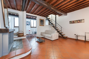 Picture of Short-let Florence Apartment Parione in Florence
