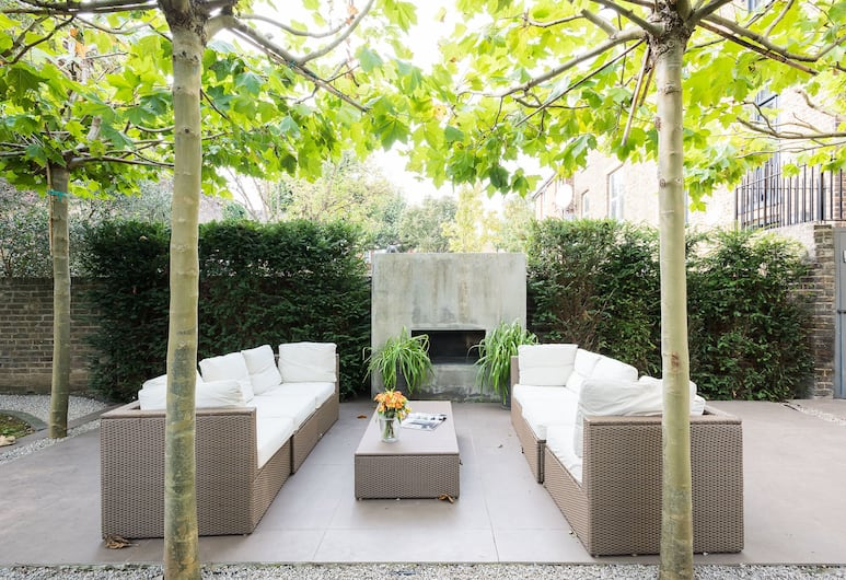 Beautiful 2BR Home With Conservatory and Garden, London, Terrass