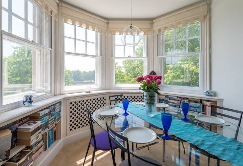 Charming Chelsea Apartment overlooking the Thames, London, Apartment, 2Schlafzimmer, Wohnzimmer