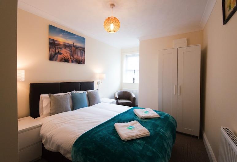 Lower Hampton, Scarborough, Lower Hampton (2 Bedrooms), Guest Room