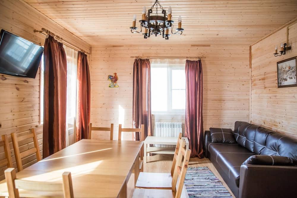 Ģimenes māja, divas guļamistabas - Dzīvojamā istaba