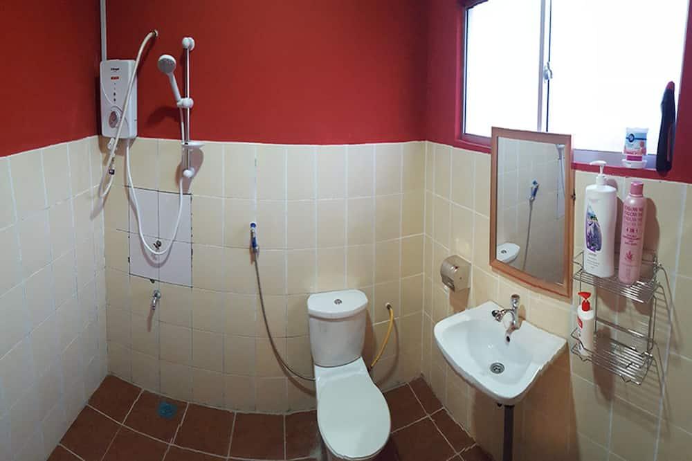 Room (Master) - Bathroom