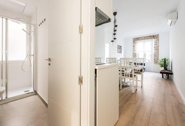 Puerta de Atocha City Center, Madrid, Apartment, 3 Bedrooms, Balcony, Living Area
