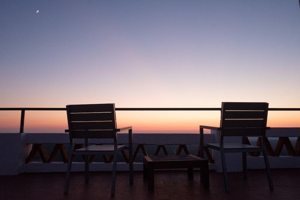 Double Room (Street View) - Balcony