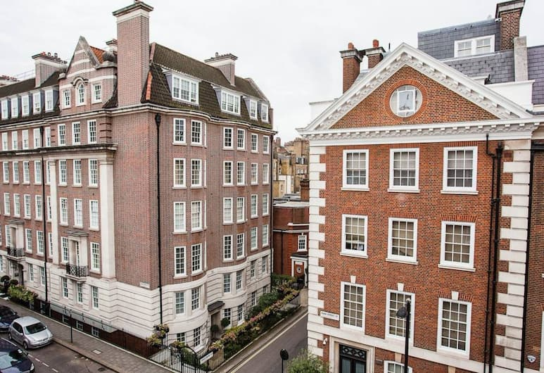 Luxury 2 Bed Mayfair Apartment, London, Vaade hoonest