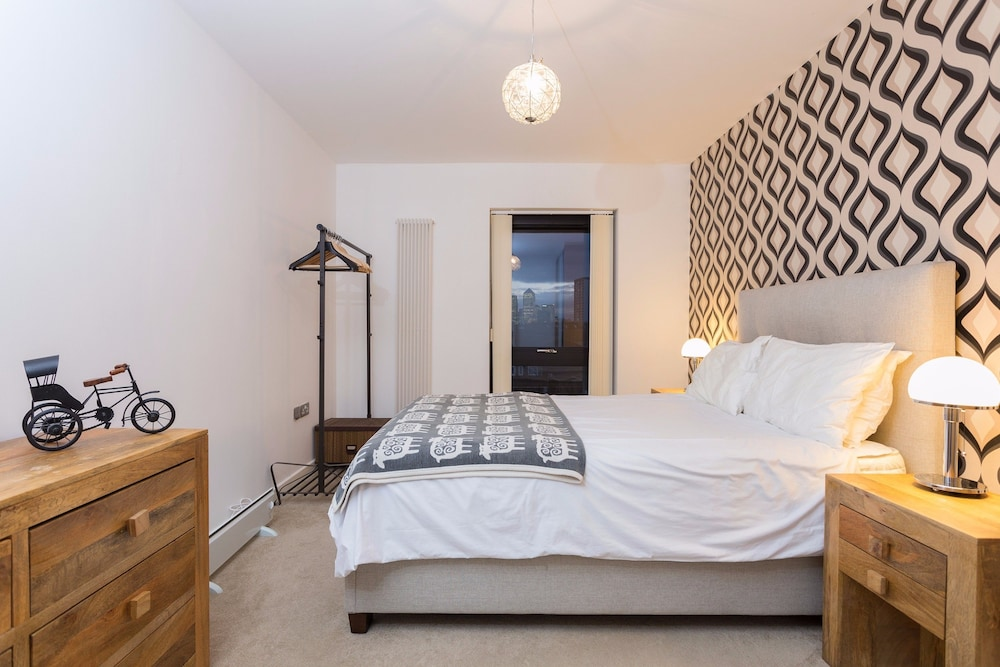Book Amazing 1 Bedroom Flat in Bow with Balcony in London | Hotels.com