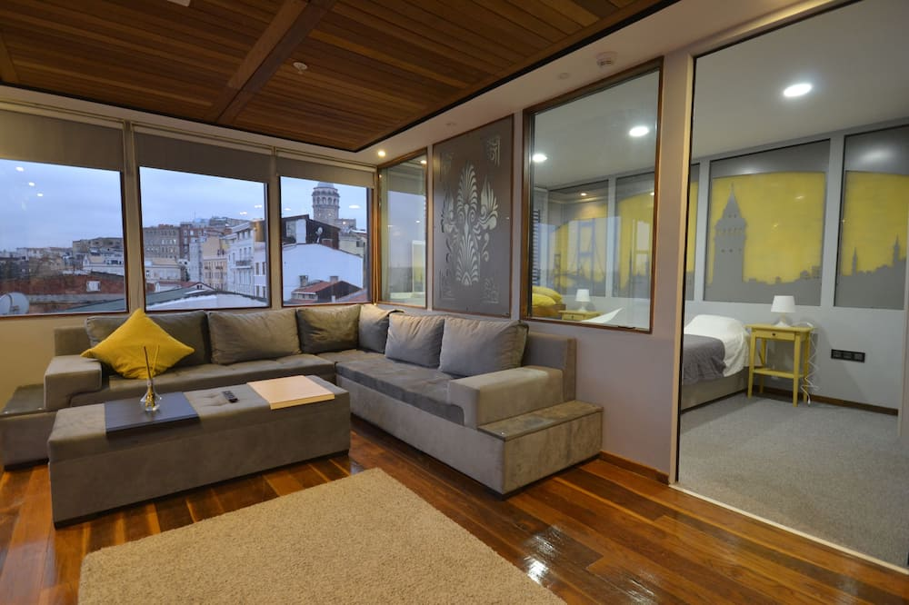 Deluxe Penthouse - Living Area