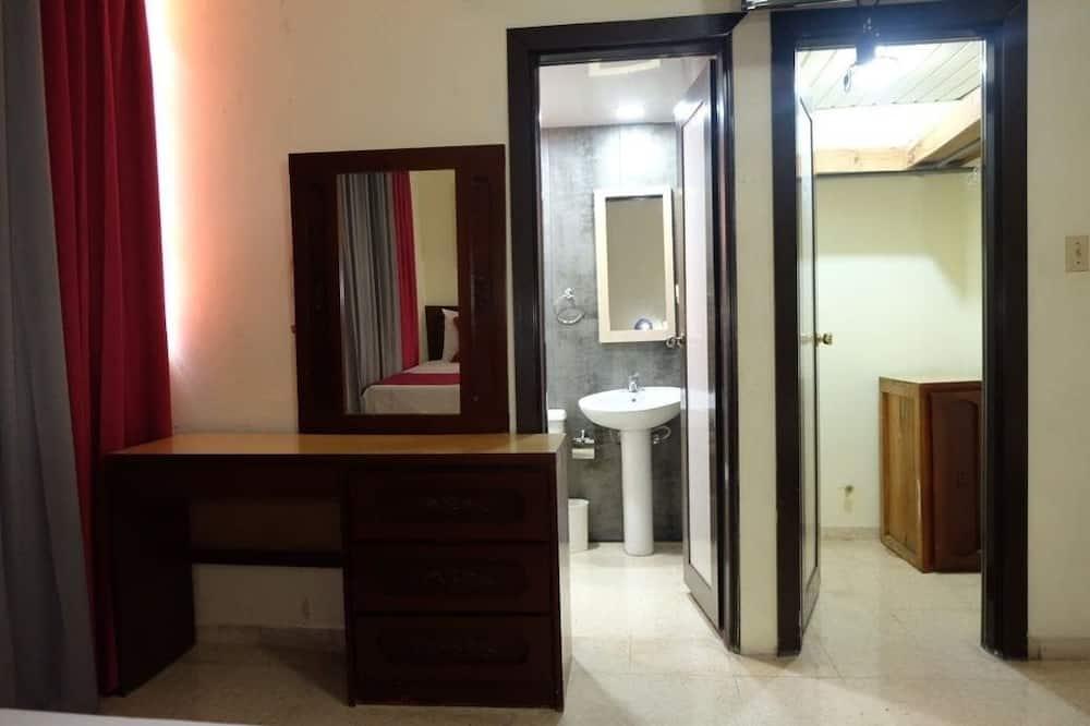 Habitación superior, 2 camas Queen size - Baño