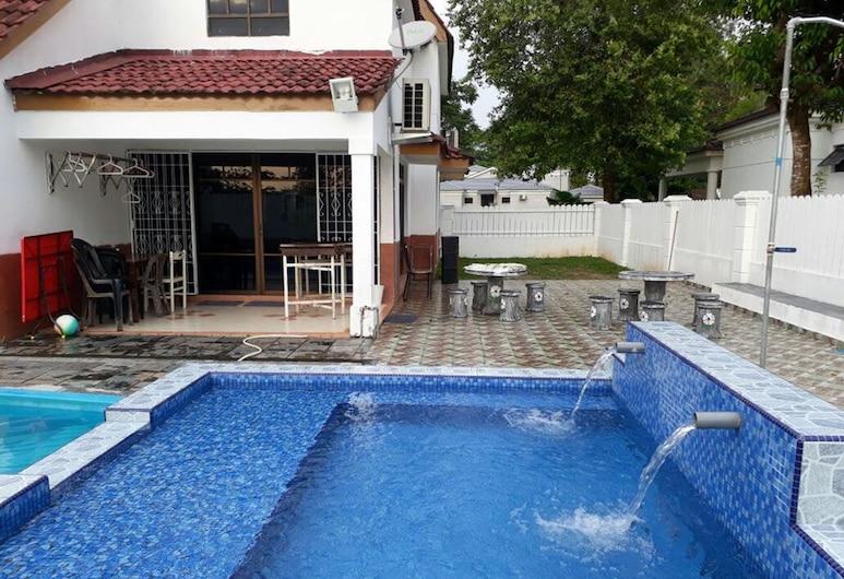 Ann Homestay Villa 893, Alor Gajah, Villa, 5 Bedrooms, Teres/Laman Dalam