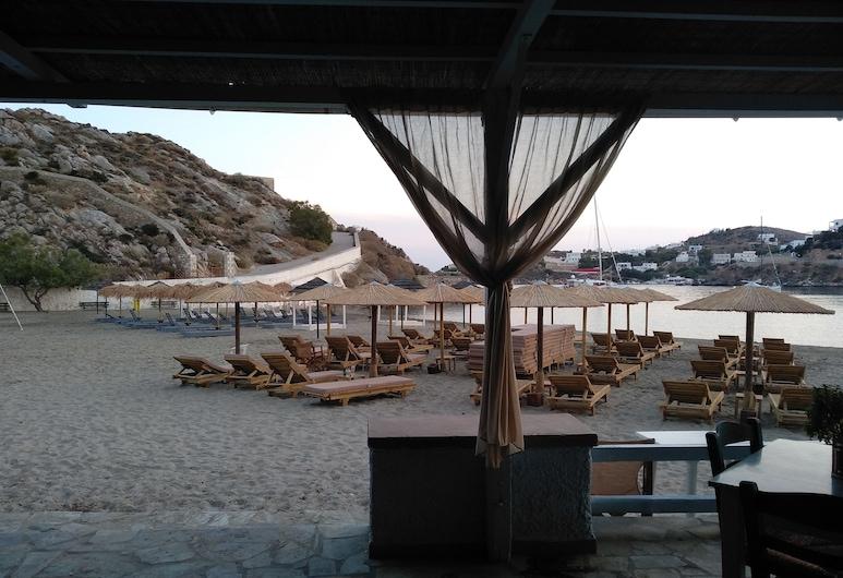 Akti Miaouli Holiday Home, Syros, Tempat Makan Luar