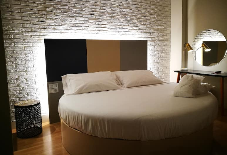 H La Paloma Love Hotel - Adults Only, Barcelona, Suite, Whirlpool (Private Parking), Zimmer