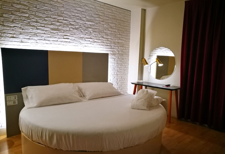H La Paloma Love Hotel - Adults Only, Barcelone, Suite, bain à remous (Private Parking), Chambre