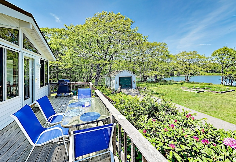 49 Murray Hill Home, East Boothbay