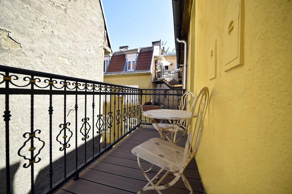 ดีลักซ์อพาร์ทเมนท์, 1 ห้องนอน, ระเบียง (White Baroque) - ระเบียง