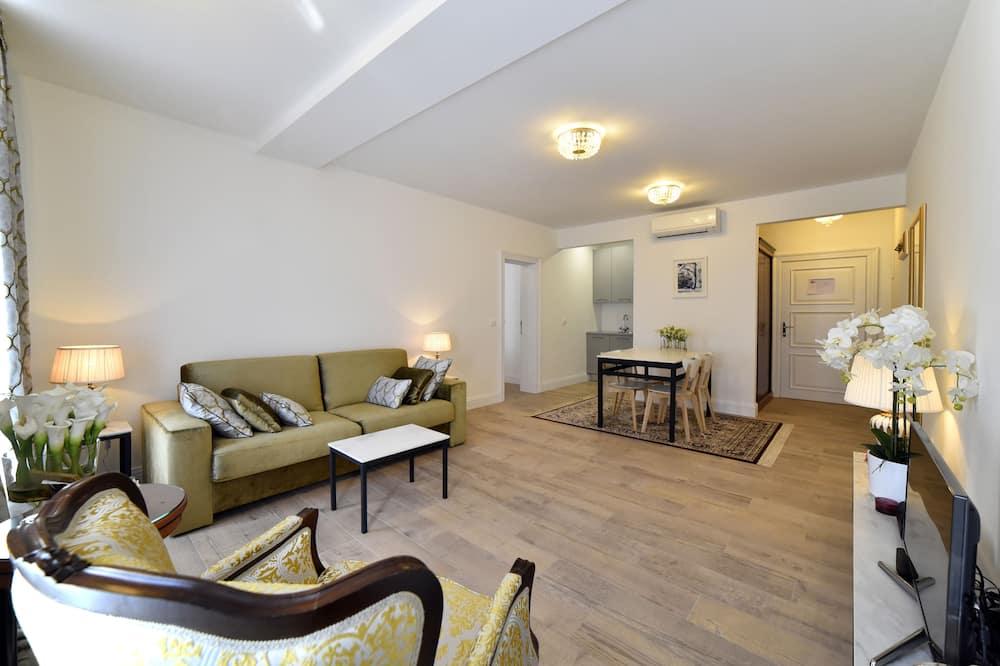ดีลักซ์อพาร์ทเมนท์, 1 ห้องนอน (Mandusa Empire) - พื้นที่นั่งเล่น
