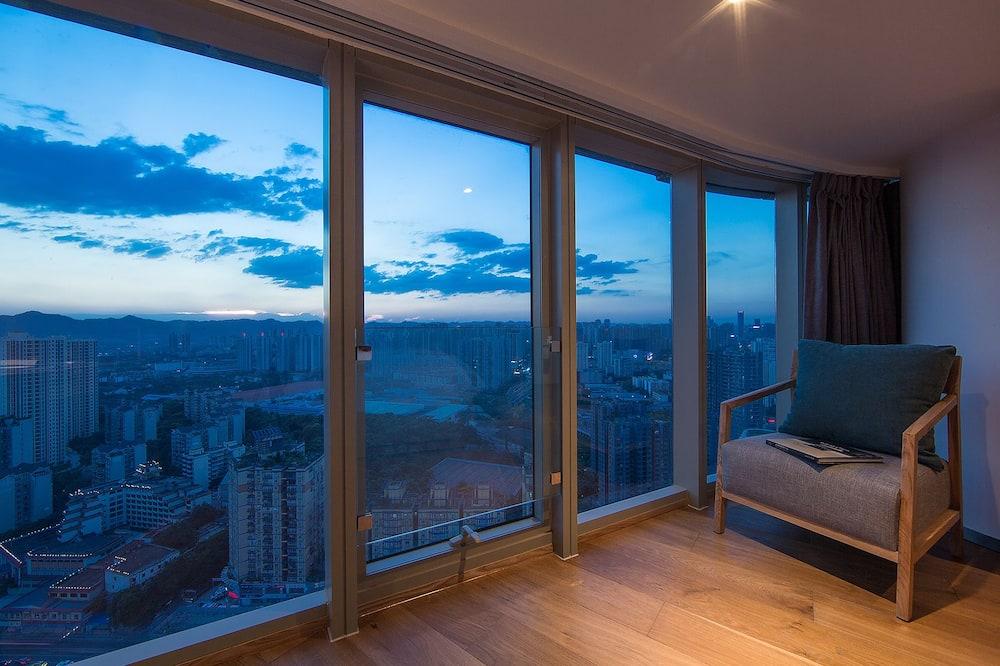 Улучшенный двухместный номер с 2 односпальными кроватями - Зона гостиной