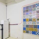 Standard Room, Non Smoking, Shared Bathroom (Standard) - Ruang Tamu