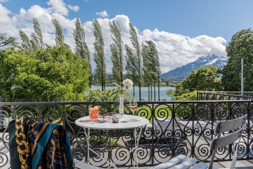 Двомісний номер категорії «Signature», спільна ванна, з видом на озеро - Номер