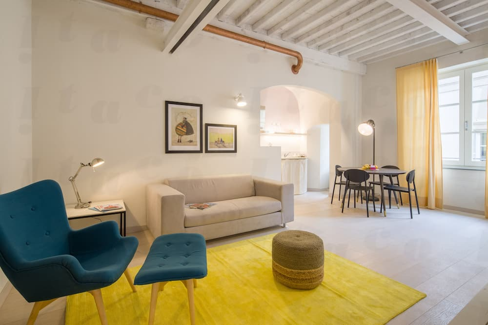 Deluxe Apartment, 2 Bedrooms, 2 Bathrooms - Living Area