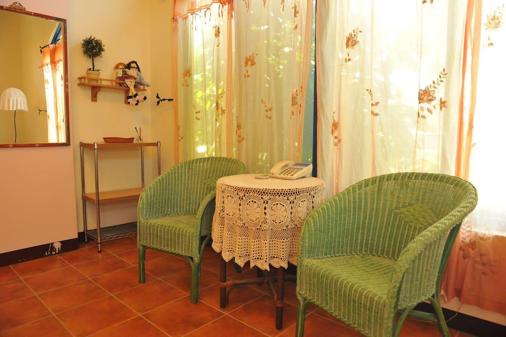 Gallery Double Room, 1 Double Bed, Garden Area - Living Area