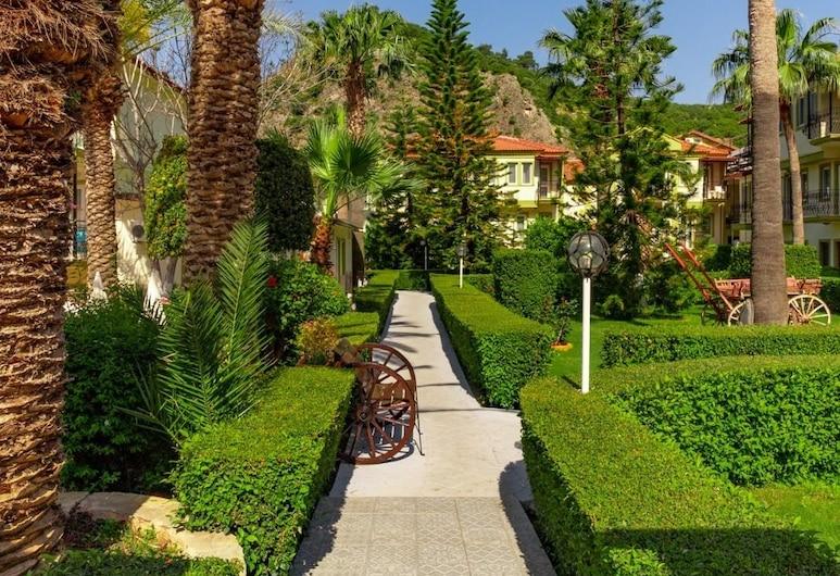 Hotel Karbelsun, Fethiye, Jardín
