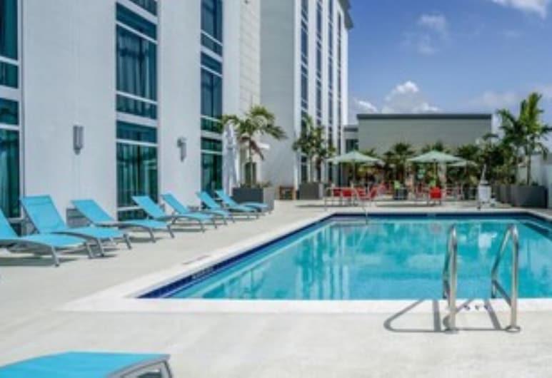 โรงแรมเดลโล สนามบินฟอร์ตลอเดอร์เดล - เทเพสทรี คอลเลกชัน บายฮิลตัน, ดาเนียบีช, สระว่ายน้ำ