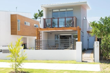 Picture of New Designer Home + Parking + Close to Airport in Nundah