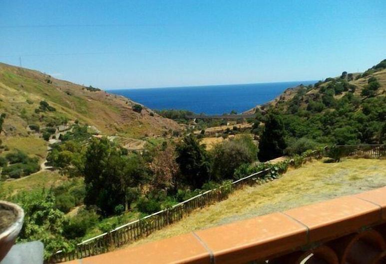 Valle Lumia, Gallodoro, Kilátás a hotelből