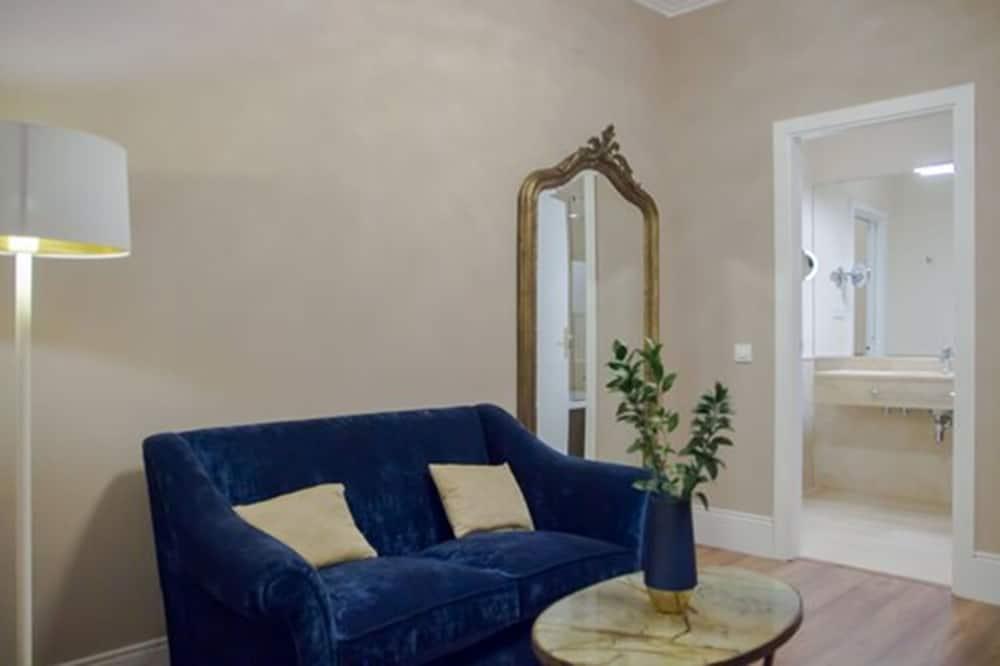 普通套房, 露台 - 客廳